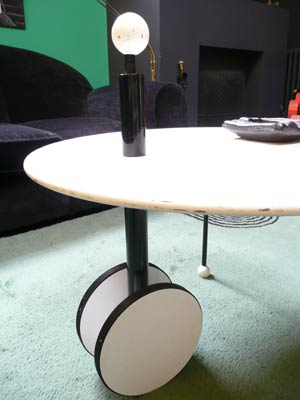 Table memphis michele de lucci for Dimensions table basse